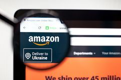 基辅,乌克兰- 2019年4月5日:亚马逊网站主页 这是美国电子商务和云彩计算机公司 ?? 免版税图库摄影