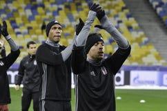 基辅,乌克兰- DEC 06 :贝希克塔什足球运动员感谢爱好者dur 库存照片