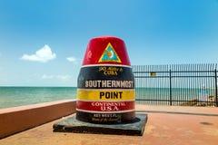 基韦斯特岛,佛罗里达指示最南端的点的浮体标志 库存照片
