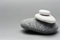 堆三块石头 免版税库存图片