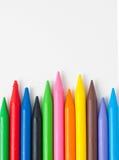 堆五颜六色的蜡笔 库存照片