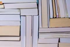 堆使用的旧书 图库摄影