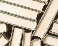 堆使用的旧书 免版税库存照片