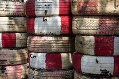 堆使用的橡胶轮胎 免版税库存图片