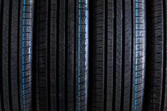 堆全新的高性能车胎 免版税库存图片