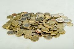 堆几枚欧洲硬币 免版税库存照片