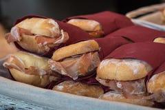 堆可口新鲜的三明治用意大利火腿填装了 库存照片