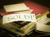 堆商业文件;卖 免版税图库摄影