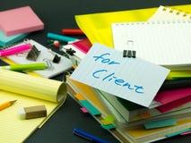 堆商业文件;对于客户 免版税库存图片