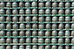 堆啤酒桶 库存照片
