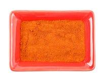 堆在碗的红色辣椒粉粉末 查出 库存图片