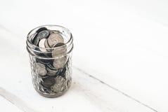 堆在背景的硬币 免版税库存图片