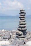堆在Hin nam海滩, Lipe,泰国的石头 免版税图库摄影