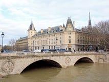 堆塞纳河,巴黎法国 洪水巴黎冬天2018年 免版税库存图片