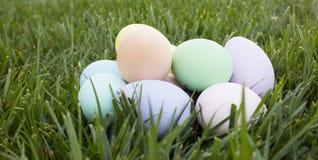 堆复活节彩蛋 免版税图库摄影