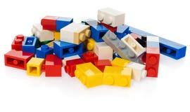 堆孩子的不同的色的块 图库摄影