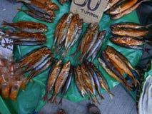 堆干海鲜在市场上在菲律宾 免版税库存照片