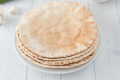 堆平的皮塔饼面包 免版税图库摄影