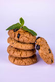 堆曲奇饼用葡萄干 免版税库存照片