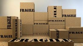 堆有易碎的标志的纸板箱 免版税图库摄影