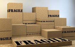 堆有易碎的标志的纸板箱 免版税库存照片