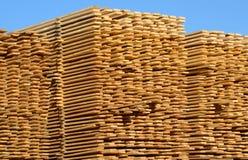 堆木板 免版税库存图片