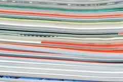 堆杂志,浅DOF 免版税图库摄影