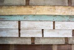 堆果皮作为纹理的颜色木头 库存照片