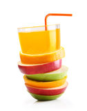 堆橙色果子和苹果切片 库存照片