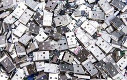 堆残破的usb和微usb 库存图片