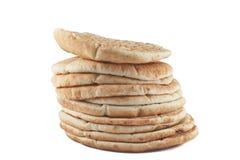 堆皮塔饼面包 库存图片