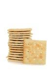 堆盐味的薄脆饼干 免版税库存图片