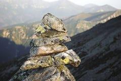 堆石头在Mountasins 免版税库存图片