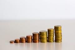 堆硬币步 免版税库存图片
