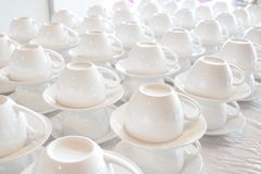 堆积许多加奶咖啡杯子 免版税库存图片