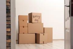 堆移动的箱子 免版税图库摄影