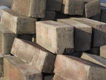 堆红砖石头 免版税库存图片