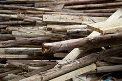 堆老使用的木头 免版税库存照片