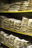 堆老报纸档案 库存照片