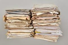 堆老报纸 免版税图库摄影