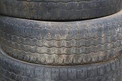 堆老轮胎纹理 库存照片