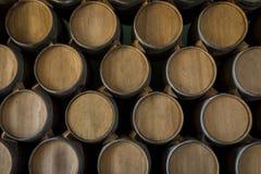 堆葡萄酒桶 免版税库存照片