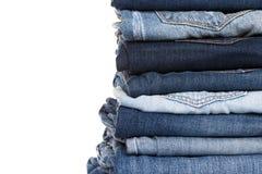 堆蓝色牛仔裤各种各样的树荫  库存图片