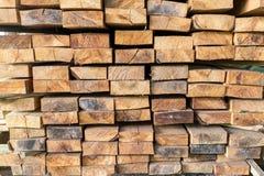 堆被锯的木材 库存照片