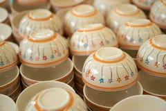 堆陶瓷碗 库存图片