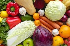 堆顶视图各种各样的蔬菜和水果 库存照片