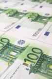 堆100张欧洲票据 免版税库存照片