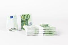 堆100张欧洲钞票 免版税图库摄影