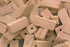 堆从红土的砖 免版税库存照片