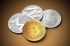 堆cryptocurrencies :bitcoin、ethereum、litecoin、monero和破折号一起铸造 库存照片